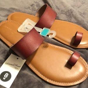 Universal Threads Sandals